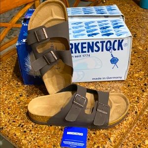 Birkenstock Arizona Shoe, NEW NEVER WORN.